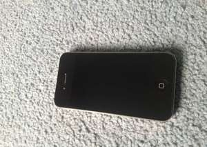 Продам iPhone 4-32GB black (neverlock)